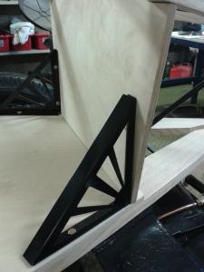 Rear bulkhead bracket